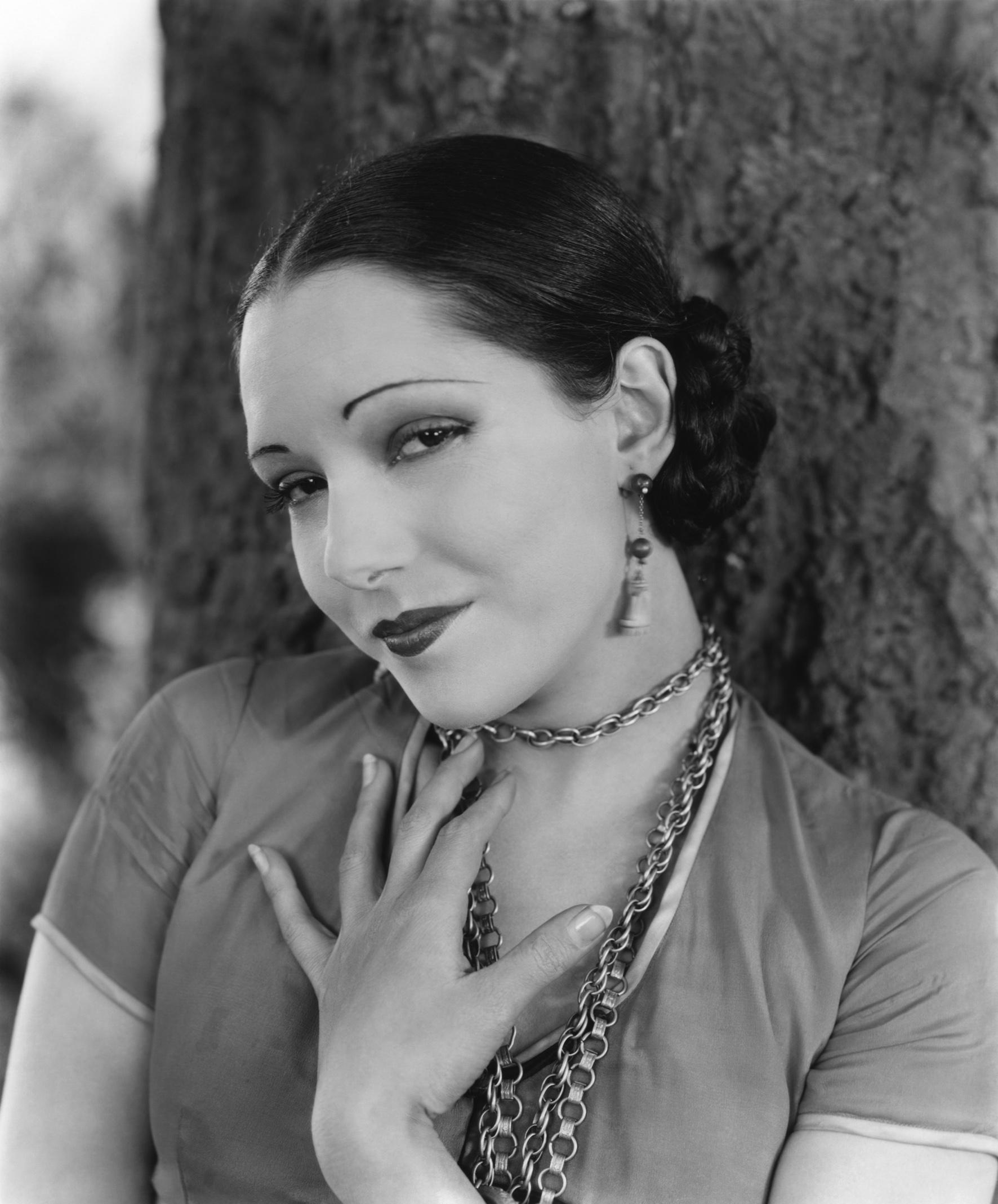 María Guadalupe Villalobos Vélez (San Luis Potosí, 18 de julio de 1908 — Beverly Hills, 13 de diciembre de 1944), fue una actriz mexicana. - velez-lupe_01