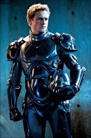 Charlie-Hunnam-in-Pacific-Rim-2013-Movie-Image2