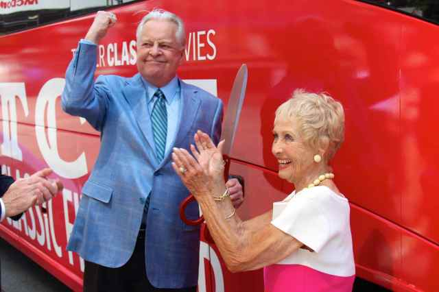 Robert Osborne and Jane Powell christen the first TCM SIghtseeing Bus Tour in New York in 2013 (photo by Will)