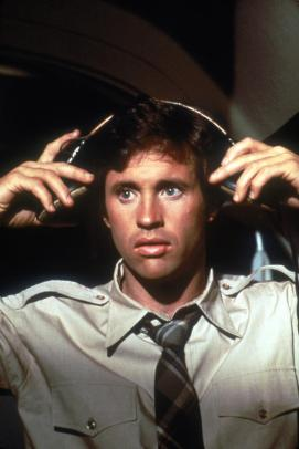 still-of-robert-hays-in-airplane!-(1980)-large-picture