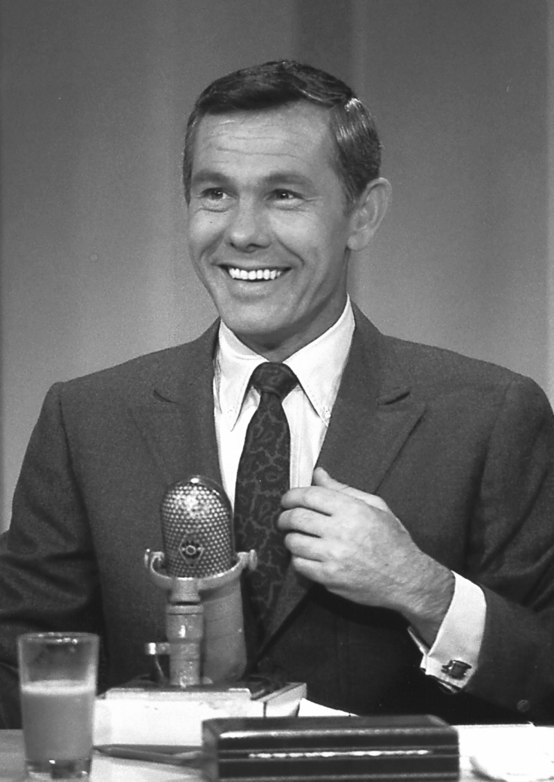 Here's Johnny! Carson Returns to Late Night TV ...